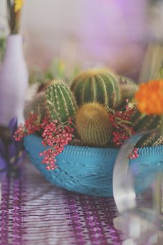 Cactus centerpiece idea | Photo by Gideon Photography | Read more - http://www.100layercake.com/blog/?p=76762 #cactus #wedding #centerpiece