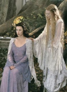 Arwen and Galadriel...I've never seen this dress. Must not have made it into the film. Still, it's a good generational picture (Arwen is Galadriel's granddaughter)