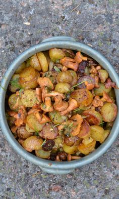 Warm Potatos & Chantarelle Salad Food, www. Lunch Recipes, Summer Recipes, Salad Recipes, Finnish Recipes, Scandinavian Food, Home Food, Mushroom Recipes, Food Inspiration, Side Dishes