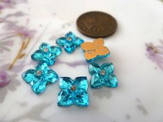 6 Vintage 8mm Teal Glass Flower Cab Cabochons C39
