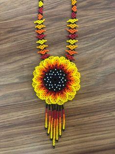 Handmade with beads beautiful Necklace Huchol art Beaded Earrings, Crochet Earrings, Bead Jewellery, Jewelry, Leather Wedge Sandals, Beaded Flowers, Star Fashion, Beautiful Necklaces, Molde