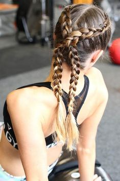 Double braids are the look to steal, and we will show you how you can create a totally enviable look. All these ideas are totally easy, go on reading to get convinced! #hairstyle #braids #twobraids