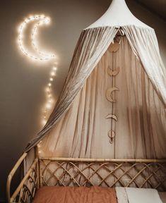 Bamboo crib from Kleine Keutel boho children& room - Boho children& room with this bamboo crib from Kleine Keutel -