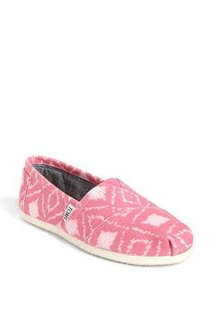 Cute pattern on these Toms