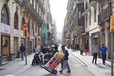 Barcelona Budget Travel Guide - Things to Do on a Budget