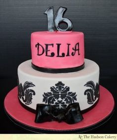 Classy Sweet 16 Cake Love The Design On Bottom Tier Bday Cakes For