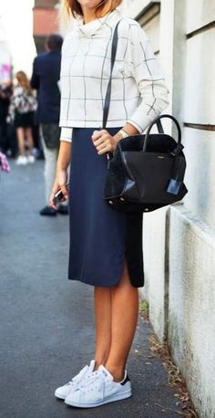 30 Best Work Outfit Ideas With Sneaker - Outfits - Office Outfits Summer Office Outfits, Casual Work Outfits, Mode Outfits, Work Casual, Outfit Office, Office Attire, Office Uniform, Chic Outfits, Spring Outfit For Work