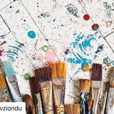 #Repost @fevziondu with @repostapp  ・・・  Fırçalar #paint #brush #brushes #art #styling #colourful #yigityaziciatelier #yigityazici Tesekkurler Fevzi atolyeyi anlatan harika bir kare olmus c