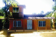 Casa Rustica Em Arraial d'Ajuda - Casa em estilo rústico com 2 quartos em Arraial. Terreno: 400 m2 Área construída: 114 m2 2 quartos 1 suite 1 closet 1 sala 1 cozinha 2 varandas...