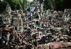 Temple à Cambodia en Wabi sabi source steve Mc curry