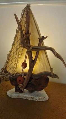 110 gorgeous handmade tailors from Kostis Dimas! Learn more about good ideas and DIY Source by The post 110 magnificent sea construction & appeared first on Wooden. Driftwood Lamp, Driftwood Projects, Driftwood Sculpture, Beach Wood, Beach Art, Beach Crafts, Summer Crafts, Decoration Pirate, Wood Creations