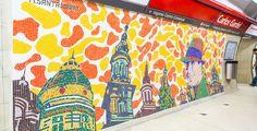 El artista Marino Santa María realizó cuatro murales compuestos por venecitas alusivos a Gardel, el tango y el Abasto en esa estación. El homenaje al Zorzal Criollo se suma al realizado en la estación Corrientes. estaciones del Metro, Buenos Aires