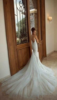 Galia Lahav wedding dress,rather huge...but rather stunning