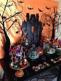 Kuvahaun tulos haulle halloween birthday party table