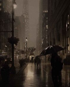 rainy day shared by bambi on We Heart It Night Aesthetic, City Aesthetic, Aesthetic Photo, Aesthetic Pictures, Aesthetic Black, Photography Aesthetic, Urban Photography, White Photography, Photography Poses