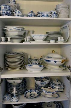 Geschirr blau - weiß
