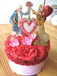 Cupcake Valentine Card Box  Flower pot covered with pleated card