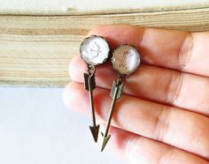 Bow and Arrows, Bow Arrows Earrings, Arrow Earrings, Bow and Arrows Dangle Earrings, Primitive Native Earrings, Crossbow, Native Jewelry by SunAndStarsJewelry on Etsy https://www.etsy.com/listing/236230483/bow-and-arrows-bow-arrows-earrings-arrow