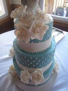 Blue and white wedding by Justbakedcakes