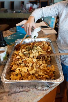 Furikake Chex Mix, Trail Mix Recipes, Cereal Treats, Easy Asian Recipes, Cooking Recipes, Keto Recipes, Snack Recipes, Yummy Appetizers, International Recipes