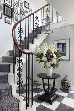 Traditional Staircase Design Ideas, Pictures, Remodel and Decor Stair Railing Design, Staircase Railings, Curved Staircase, Modern Staircase, Stairways, Staircase Ideas, Iron Railings, Stair Decor, Banisters