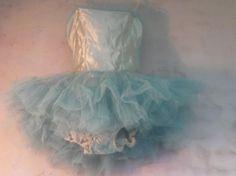 groen-blauw vintage balletkostuum Vintage Ballet, Vintage Circus, Dance Costumes, Headdress, French Vintage, Cool Pictures, Tulle, Pastel, Delicate