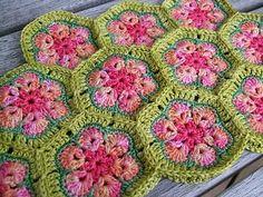 Aren't these crochet African Flower hexagons just gorgeous?