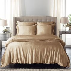 Refresh your bedroom with cream silk bed linen, which is made from the finest mulberry silk. Breathable and hypoallergenic. Silk Bedding, Duvet Cover Sets, Cream Bedding, Ralph Lauren Bedding, Luxury Bedding Set, Bed, Luxury Bedding Sets, Fine Bedding, Linen Bedding