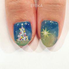 🎄Merry Christmas🎄 ネイルもクリスマス仕様💕 * #nail#nailart#art#instanail#instanails#nailswag#handpainted#fashion#design#newnail #手描きネイル#手描きアート#ジェルネイル#ファッション#クリスマスネイル