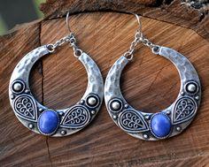 Tribal Earrings, Lapis Lazuli Earrings, Tribal Lapis Earrings, Hammered Silver Earrings, Round, Antique Silver, Boho, Ethnic (E347)
