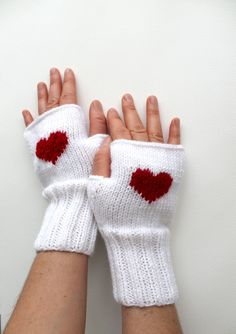 Valentines Day / Knitting Fingerless Gloves. Fashion by gloveshop, $32.90