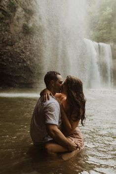 If you need enchanting diamond photos, think carefully about your setting, this lighting, clothes, and Engagement Photo Poses, Engagement Photo Inspiration, Fall Engagement, Engagement Pictures, Engagement Photography, Vintage Engagement Photos, Diamond Photography, Country Engagement, Engagement Shoots