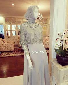 #yasra #moslemdress #yasrasyari #yasramedan #thankyou #@emmyfadil ❤❤❤ Dress Brokat Muslim, Muslim Dress, Dress Brukat, Kebaya Dress, Hijab Gown, Hijab Dress Party, Modern Hijab Fashion, Muslim Fashion, Simple Long Dress