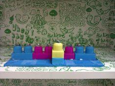 channukià realizzata con i pezzi del lego!