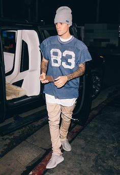 Want to see Justin Bieber perform live on his Purpose Tour? Join the Justin Bieber Fan Group and Waiting Lists to attend the concert on October Justin Bieber Outfits, Justin Bieber Beanie, Justin Bieber Mode, Justin Bieber Style, Teen Boy Fashion, Mens Fashion, Street Fashion, Justin Baby, Bae