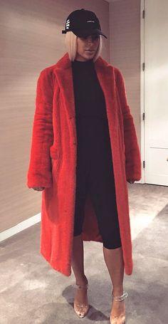 10 Times Kim Kardashian Wore the Exact Same Post-Maternity Outfit | People