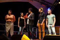 I comici Gigi e Ross con i finalisti del concorso sul palco del My selfie show organizzato da Vodafone a Piazza Dante il 29 Giugno 2014 foto di Serena Faraldo per AGiSco #giugnogiovani www.giugnogiovani.it