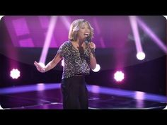 """Amanda Brown's Blind Audition: """"Valerie"""" - #TheVoice"""