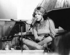 The UK Resource for all things Fleetwood Mac, Stevie Nicks & Lindsey Buckingham Stevie Nicks 70s, Stevie Nicks Fleetwood Mac, Buckingham Nicks, Lindsey Buckingham, Stephanie Lynn, Go Your Own Way, Women Of Rock, Rock And Roll, Celebrities