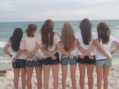 summer pictures on the beach with my bestfriends ♥