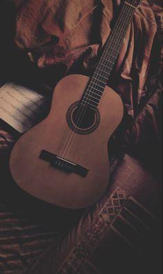 Guitar Wallpaper Iphone, Music Wallpaper, Dark Wallpaper, Galaxy Wallpaper, Iphone Guitar, Music Aesthetic, Brown Aesthetic, Acoustic Guitar Photography, Guitar Photos