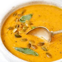 Enjoy this creamy roasted pumpkin soup this fall. Made with fresh roasted pumpki… Enjoy this creamy roasted pumpkin soup this fall. Made with fresh roasted pumpkin, flavored with chili and a hint of lime, it's unique, delicious and vegan! Vegan Pumpkin Soup, Roast Pumpkin Soup, Pumpkin Vegetable, Healthy Pumpkin, Vegan Soup, Pumpkin Quinoa, Quinoa Vegan, Quinoa Soup, Spiced Pumpkin