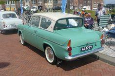 1960 - Ford Anglia 105 E - rear side