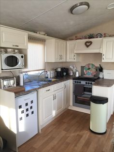 Static caravan kitchen makeover using Farrow and Ball eggshell paint