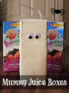 These Mummy Juice Boxes are so easy to make and would be perfect for the lunchbox on Halloween or a class party!
