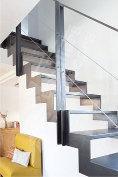 Escalier on pinterest stairs stair design and space saving - Hauteur d une main courante dans un escalier ...