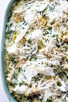 Pasta bake recipes are perfect to make ahead and this creamy spinach artichoke pasta bake is delicious as a vegetarian dinner. Mushroom Pasta Bake, Chicken Pasta Bake, Chicken Dips, Spinach Artichoke Pasta, Creamy Spinach, Spinach Pasta Bake, Artichoke Dip, Baked Pasta Recipes, Cheese Recipes