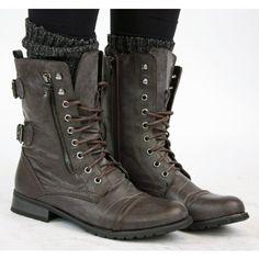 0005a092ecc03 Shoefashionista - Bottes Femme Militaire Noir Vintage Chaussures Plates  Bottines Lacets Marron Taille 36-41  Amazon.fr  Chaussures et Sacs