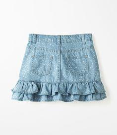 Saia Infantil  Com babados   Estampada   Marca: Póim   Tecido : jeans     Veja outras opções de    saias infantis.          Póim Menina   Sabemos que de 1 a 4 anos de idade, o que vale é o gosto da mamãe. E pensando nisso, a Lojas Renner, possui a marca Póim para meninas, com vestidos, saias, shorts e camisetas com muita referência de moda com as personagens preferidas dessas crianças! Little Girl Skirts, Kids Fashion, Fashion Outfits, Girls Jeans, Chambray, Denim Skirt, Kids Outfits, Mini Skirts, Clothes