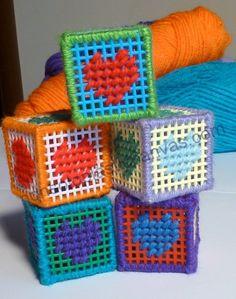 MagliaMo: Plastic canvas beginners - il mio regalo di Pasqua...